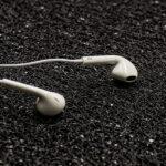 slushalki-handsfree-earpods-s-mikrofon-i-kontroler-beli-topcase-3